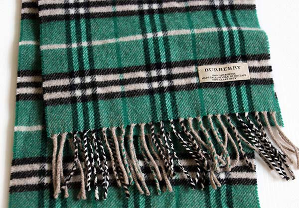 スコットランド製 Burberrysバーバリー タータンチェック ラムウール マフラー